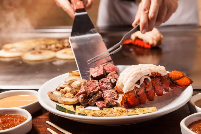 Benihana-steak_and_lobster_02