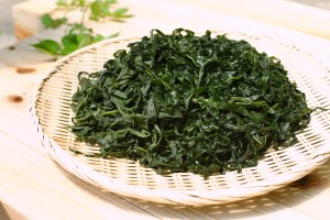 What is Wakame and Mozuku Seaweed?